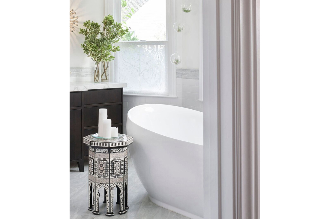 h15-kristen-haller-master-bathroom-moroccan-table
